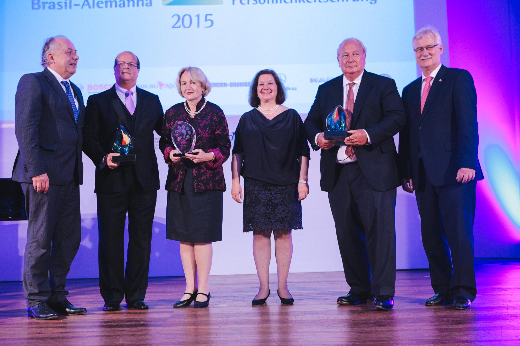 http://www.rio-cologne.de/wp-content/uploads/2016/09/Dt_brasil_Journalistenpreis2015_2.jpg