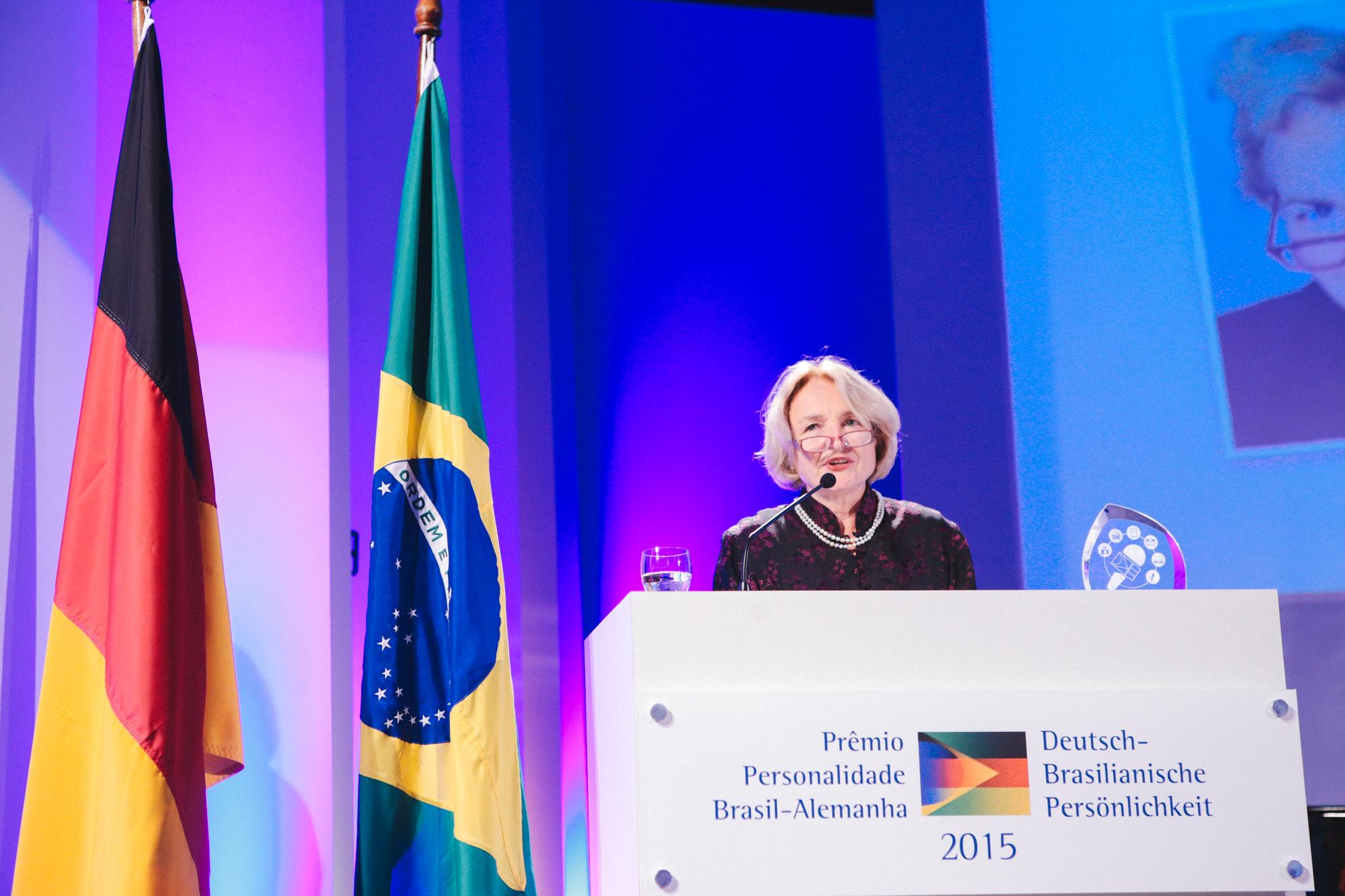 http://www.rio-cologne.de/wp-content/uploads/2016/09/Dt_brasil_Journalistenpreis2015_9.jpg