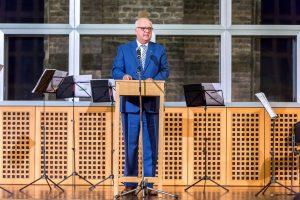 Bürgermeister Hans-Werner Bartsch begrüsste die Gäste im Stiftersaal des Wallraf-Richartz-Museums